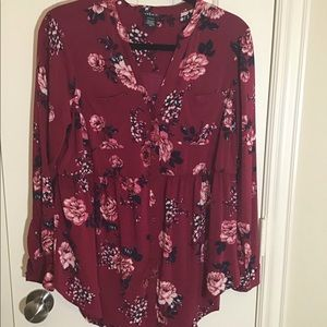 NWOT - Torrid Floral Button Down Top - Size 00
